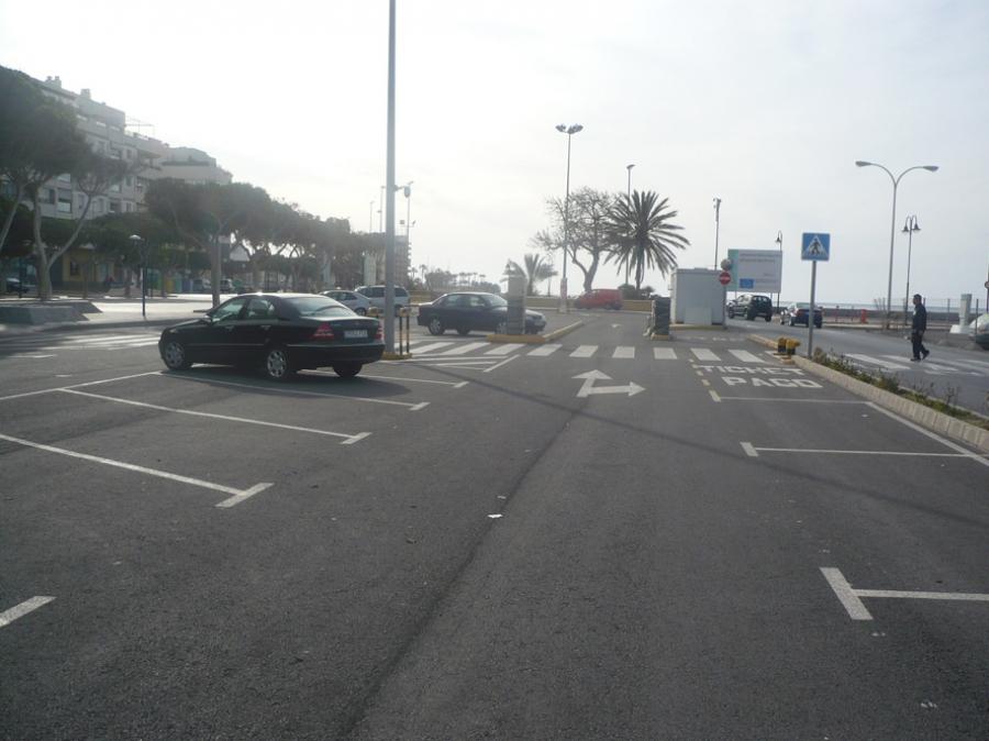Resultado de imagen de aparcamiento Adra